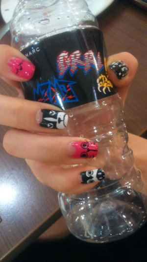 who loves #mbmj? here's a #nailart of the popular phonecases! #notd #sgnails #nailsg #marcjacobs