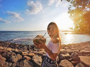 Happiest where there is sea, gorgeous sunset and a humongous coconut in my hand 🌴 . . . . #dayslikethese #iwishwecoulddothiseveryday #coconutlove #nutsaboutcoconuts #beachbum #beachday #beachvibes #bali #balilife #balilivin #balivibes #baliindonesia #allitravel #travelbug #travelgram #travelholic #travelstoke #travelasia #wanderlust #travel3sixty #exploremore #sunset #beautifulsunset #gopro #goasean #goprotravel #gopronation #goproeverything #throwback #clozette