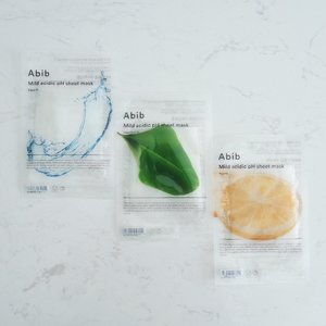 [#JuneunicornGiveaway] @Abib.Official in its integrity, help skin achieve back to its original immaculate state with hypoallergenic ingredients.  The skin of a healthy person has a pH balance of pH 5.0 ~ pH 6.5 which is considered a 'weak acid' level. The #Abib Mild Acidic pH Sheet Masks have pH levels that is closest to our skins's pH levels, which mildly cares for our skin. They are also coated with Albumin to help absorb the essence into the skin and form fits onto the face providing a lightweight feeling. I fell in love with the minimalist & transparent design for its packaging. This sheet mask range comes in 4 variants: > Aqua Fit (Elasticity & Moisture with Aquaxyl) > Heartleaf Fit (Calming, Relaxing & Cooling with Heartleaf) > Yuja Fit (Vitalizing with Citrus Junos Peel Extract & Yuja) > Honey Fit (Sorry guys, i didn't manage to get this one in Korea.) Would you like to #WINsg a set with the 3 variants i have here? 1) Follow @Abib.Global & @Juneunicorn on Instagram. 2) Like this post. 3) Tell me the Abib Mild Acidic pH Sheet Mask variant you would like to try the most & Mention 3 friends in the Comment section. One friend per comment. 4) *Extra Chance* Go to my Juneunicorn - Caren Foo Facebook page for another chance to #sgWIN.  #ContestSG ends this Saturday, 23 Nov 2019, 2359pm. *This #GiveawaySG is only for participants residing in #Singapore. Other Terms & Conditions apply.  #아비브 #AbibCosmetic #Clozette #Beauty #Skincare #KoreanSkincare #KSkincare