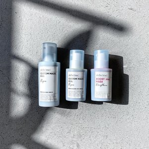 Your bespoke skincare begins with you! Every skin is unique and has it own varying degree of issue to be targeted and solved. That is why I think customized skincare is the next evolution in consumer skincare market. Who better to customize a formula than the user themselves? Input your priorities, select the ad-hocs, and let the Alche{me} custom lab improve one for you! ------------------------------------------ Alche{me} Personalized Serum - ultra lightweight, fragranced, soothe, hydrate, anti-pollution, acne-specific treatment, pore tightening, anti-aging WITH radiant boosting ------------------------------------------ Alche{me} Personalized Eye Serum - lightweight, herb scented, lighten dark circles, increase elasticity, smoothen fine lines and wrinkles, hydrate and lift ------------------------------------------ Alche{me} Personalized Boost {me} Mask - Brightening-based formula, fragranced, increase radiance, luminosity, deeply hydrate, soothe skin, leave it looking rested and toned ------------------------------------------ Alche{me} uses lots of premium, active ingredients in their formula and it is the combination of those that further makes it so unique. Watermelon/cucumber fragrance? Ascorbyl Tetraisopalmitate? Niacinamide? Bakuchiol? Galactaric Acid? Caffeine? Retinyl Palmitate? Yeah, just a few names out of the many they have in their lab. —— #AlchemeSkincare #BespokeSkincare #CustomisedSkincare #SkinLuxury #LuxurySkincare #PersonalisedSkincare #SponsoredProduct