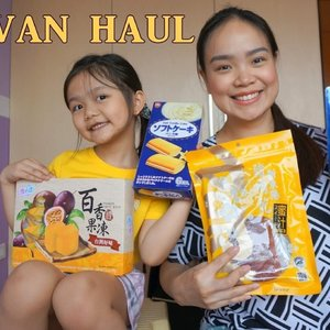 Taiwan haul is up on my channel. My cutie guest also helped me with them too. 👍🏼 #Food #foodie #foodblogger #yellowyum #haul #taiwan #taiwanhaul #taipei #msyellowyum #lifestyle #lifestyleblogger #blogger #manilablogger #foodbloggerph #lifestylebloggerph #youtube #youtuber #youtuberph #clozette #vlogger #vloggerph #pinayvlogger #bloggerph #foodblogger #travel #travelblogger #travelvlogger #travelbloggerph #travelvloggerph