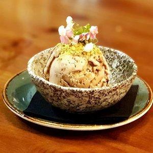 Chocolate & Pistachio Ice-cream at Pura Brasa.  #clozette #foodspotting #iweeklyfood #fooddaddict #foodgasm #foodpic #sginsta #sgeats #foodshare #nomnom #igersgs #foodporn #yummy #foodsg #burpple #sgfood #sgfoodbloggers #sgfoodies #igsgfoodies #icecream #spanishfood