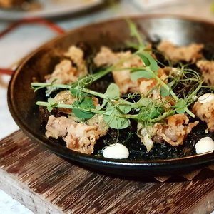 Fideau, a Spanish Squid Ink paella using noodles instead of rice. Topped with Calamari. TXA is the first truly authentic Pintxos Bar in Singapore.  #clozette #cooljapan #foodspotting #iweeklyfood #fooddaddict #foodgasm #foodpic #sginsta #sgeats #foodshare #nomnom #igersgs #foodporn #yummy #foodsg #burpple #sgfood #sgfoodbloggers #sgfoodies #igfoodies #spanishfood #Noodles