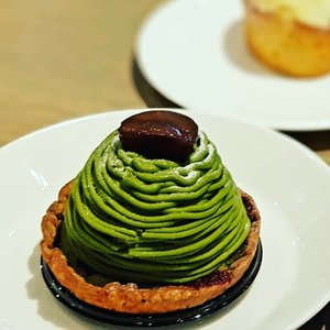 Oh-so-pretty Matcha Mont Blanc dessert at JW360 °, a 3-in-1 restaurant, retail & cafe concept at Changi Airport's Jewel.  #clozette #cooljp  #foodspotting #iweeklyfood #fooddaddict #foodgasm #foodpic #sginsta #sgeats #foodshare #nomnom #igersgs #foodporn #yummy #foodsg #burpple #sgfood #sgfoodbloggers #japanesefood #desserts #jw360sg