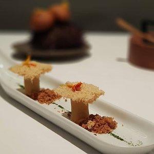 Amuse Boucle at 3 Michelin-starred Arzak in San Sebastian.  #clozette #foodspotting #iweeklyfood #fooddaddict #foodgasm #foodpic #sginsta #sgeats #foodshare #nomnom #igersgs #foodporn #yummy #foodsg #burpple #sgfood #sgfoodbloggers #sgfoodies #igsgfoodies #spanishfood #sansebastian #degustation