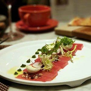 Tuna Carpaccio at Grissini Italian Restaurant.  #clozette #foodspotting #iweeklyfood #fooddaddict  #foodgasm #foodpic #sginsta #sgeats #foodshare #nomnom #igersgs #foodporn #yummy #foodsg #burpple #sgfood #sgfoodbloggers #sgfoodies #igsgfoodies #italianfood #seafood #tuna