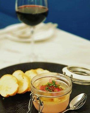 Chicken Liver Pate and Picked Red Onions.  #clozette #foodspotting #iweeklyfood #fooddaddict #foodgasm #foodpic #sginsta #sgeats #foodshare #nomnom #igersgs #foodporn #yummy #foodsg #burpple #sgfood #sgfoodbloggers #sgfoodies #igsgfoodies #pate #cafehoppingsg