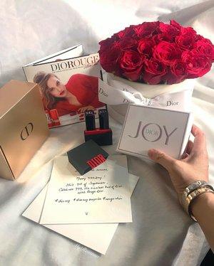 What a delightful @Dior surprise. Thank you 🙏🏻🥰 • • G R A T E F U L • • #MyRomana #DiorMy #DiorMySurprise #RougeDior #Clozette #LuxuryBeauty
