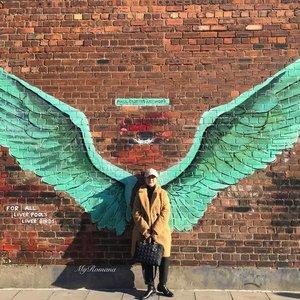 @paulcurtisartwork at #baltictriangleliverpool • • M A S T E R P I E C E • • #MyRomana #Clozette #StyleOver50 #over50andfabulous #PaulCurtis #PaulCurtisArtwork #Liverpool #Lifestyle #StreetArt #Mural #BalticTriangle