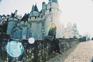 Almost 2 years since we tied the knot when this little reminder popped up on my feed. I think its time to return home❤ Ps: this castle Usse is the very one that inspired the age old fairy tale of Sleeping Beauty! . . #visitfrance #wheninfrance #stylegram #styleinspo #clozette #sgstreetstyle #aboutalook #asseenonme #lookoftheday #whatiwore #lookdujour #sgstyle #stylediaries #thatsdarling #pursuitofportraits #ootdsg #ootddaily #JDJThreads #sundayvibes  #styleblogger  #leatherjacket #lookbooksg