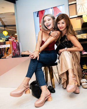 Good news, shoe lovers! Melissa's newly revamped flagship store at Wheelock is now open once again. We also spotted Clozette Ambassador @lecinlurvee and Star Clozetter @leannelow wearing the hot-selling piece Melissa Revolution + Fiorella Gianini during the launch party. If you fancy getting the same shoe, you better head over to Melissa Wheelock as this design is exclusive to the branch. #Clozette