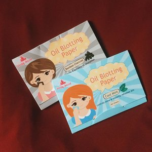 2 new posts are up on my blog to make up for the hiatus I took. Feat. @prettysecretph 's oil blotting paper which is deffo a must-have for someone who oils up excessively (like me 😂) + my @dermcarephilippines 's diamond peel experience. Head over to my blog (LINK IN BIO 💖)