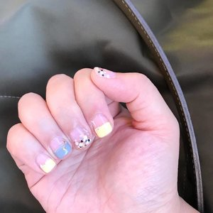My recent nails and first time trying out pastel yellow on my nails, but I totally love how disco-ish my glitter nails looks like!  #clozette #clozetteid #beauty #beautyblog #igbeauty #bblogger #bbloggers #blogger #instablogger #instablog #beautyaddict #cosmetics #clozettedaily #clozetteinsider #clozetteco #clozettesg #valenenails #nails #manicure