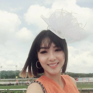 It was a good day. It was a beautiful day. It was a day I got my head in the clouds ☁☁☁ #racing #headpiece #style #clozette