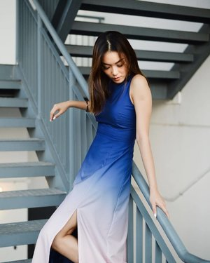 welcoming the weekends with the ombré hues of friday's sunset  #style #fashion #dress #igsg #clozette #portrait #photooftheday #photography #iger #colour
