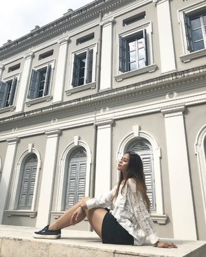 Wasn't trying to be all model-y here, the sun was just in my eye .  #potd #nationalmuseum #clozette #ootd #chinaphilicoordinate #zara #bershka #superga #dior 📷: @jwanting