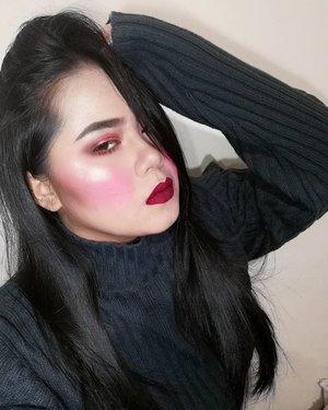 yuhh  matte red lips using @detailmakeover Matte Liquid Lipstick in Fhaye  #makeup #makeupph #detailmakeover #sweaterweather #red #matte #liquidlipstick #highlighy #eyebrowsonfleek #eyebrow #brows #undiscovered_muas #muaph #clozette #makeuploverph #makeuplover #makeupideas #makeuplife #vicecosmetics #fairycosmeticsph #carelune #wetlook #wetnwild #yuh #tumblr #aesthetics #arianagrande #nails