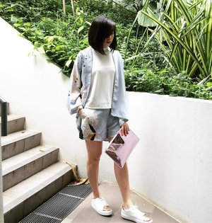 Lounging in kimono style. 🌿#stylexstyle #stylexCNY #clozette #KiplingSG #oursecondnature
