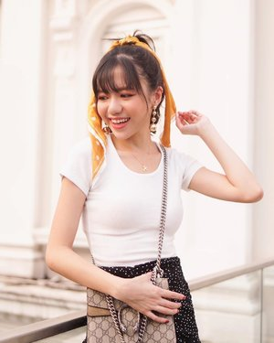 Happy start to the week! In love with my gold accessories ♥️✨ // scrunchie scarf from @cottonon_asia; earrings from @wanderlustandco; dainty Pegasus necklace from @minimalist_lab 💛