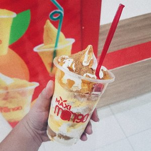 Tried @maximangoph awhile ago.  They are located at the 2nd Level of Robinsons Metro East.