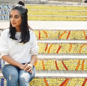 Jeans, tshirt and topknot kind of weekend!  Pic: @kukimonsterr  #styledbysmita