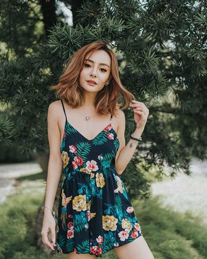 Attracted nothing but mosquitoes for this shot 🤪 floral romper by @shopjenith to pair up humid #singapore! . . . #clozette #shopjenith #sgblogshopping #weekendvibes #outfitinspo #ootdsg #fashionblogger #portraitstream #portrait_vision #moodyports #ootdfashion #whatiweartoday #wiwt #igsg #ootd