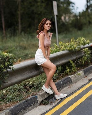 The day our car broke down and we were stranded by the road. So what do we do? Take pictures lor! 🤭 full set decked in @blairwears . . . #blairwearers #ootd #ootdsg #sgootd #clozette #fashiongram #ootdfashion #wiwt #lookbook #moodyports #portsvision