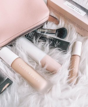 Holiday Ready! 🙌🏻 . Purrrfect time to head out of town for a short getaway! What's new in my makeup pouch? 🤩🤩🤩 . It's none other than staying shine-free with the new @fentybeauty by Rihanna PRO FILT'R Mattifying Primer for this summer. Love it's lightweight, and cushiony texture in milky white that leaves skin looking fresh, clean, and shine-free even on hot and humid days. 🥵🥵🥵 . Not only it mattifies, but also diffuses pores, and smooths the skin. Pair with PRO FILT'R Soft Matte Longwear Foundation, and PRO FILT'R Instant Retouch Concealer for sweat-resistant shine control, and look fresh all day without caking. 😍😍😍 . By the way, Fenty Beauty by Rihanna PRO FILT'R Mattifying Primer is now available at sephora.my and @sephoramy in-store on Aug 15. 💥💥💥 . . #fentybeauty #sephoramy #sephora #makeup #primer #beauty #clozette #flatlay #bblogger #kellybeauty