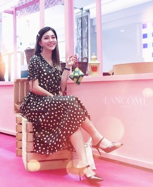 Pink Vibes 💕 . Ahh... pink vibes everywhere at Keceriaan Bersama #LancomeMY at @sogomalaysia Thanks for all the happy treats, deets on stories 😘😘😘 . Dress @pomelofashion . #Lancome #LancomeRaya #wiw #pomelofashion #clozette #instastyle #kellybeauty #kellyootd