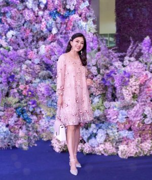 Try to blend in 💐 .  Oh my... so much love for the floral backdrop of this year Kedah Fashion Week 4.0 2019 happening at @amancentral till 7th Jul. 🎉🎉🎉 . Day 1 #KFW2019 opening show with STUDIO and @swatch. Swipe left to check out the runway videos 👌👌👌 . OOTD Dress: @beautyone_online  Shoes: @pazzionmalaysiawest  Makeup: @maccosmetics  Hair: @jeffleethc . . By the way, do I look puffy in this babydoll dress? 😜😜😜 . . #acfashionweek #amancentral #kedahfashionweek2019 #wiw #fashionweek #beautyone #pazzionwestmalaysia #maccosmeticsmalaysia #jeffleethc #instastyle #clozette #ootd #kellyootd