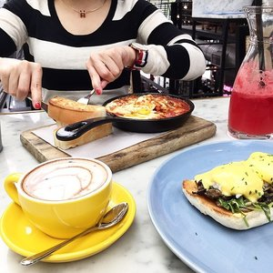 Perfect Brunch with my Love! @kayaliverpool 💖 #brunch #coffee #breakfast #clozette