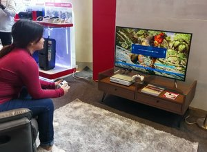 Playtime on weekends 🎮  I love how this Sharp TV gives a great viewing [and gaming] experience with its advanced technology. #SharpBetterSolutions . . . . . . . . #game #gaming #instagood #instatech #instadaily #instapic #vsco #vscoph #vscogram #manilablogger #bloggerph #mobilephotography #manilagram #entertainment #television #techie #Clozette