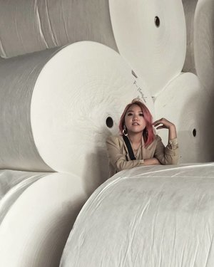 Giant tissue rolls, but make it vogue. #工厂展示 #ChinaStepByStephYap