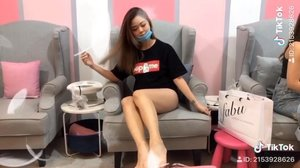 When was the last time you went for spa? Or have you even tried once? Don't worry if you have not. You'll get to try @luminous_90s aqua honey leg milk spa for only RM28 if you choose any of the service below ⬇️⬇️⬇️ - Gel manicure (RM58). - Gel pedicure (RM68). Head on to my story for more info😉.
