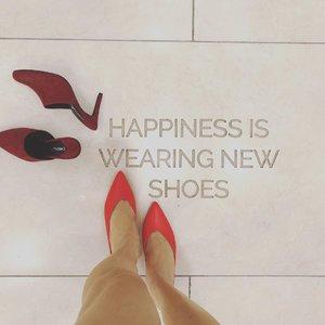 I definitely sound happy when I got new shoes. . . . . . . . . . . . . . #instadaily #instafashion #ootd #sherootd  #fashionmodel #fashionblogger #fashionstyle #fashiondiaries #fashiongram #fashionshot #stylediaries #clozette #asian #asiangirls #asianbabe #asianchick #asianfashion #ig_malaysia #igsg #malaysianmodel #ootdmagazine #ootdsubmit #outfitpost #outfitinspiration #everydaystyle #fashionigers #wearitloveit #aboutalook #whowhatwear #wlyg