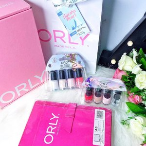Nails without a little sparkle is like cake without frosting ✨Make an impression, get your nails done with @orlyph new interesting collection! 💅 . . #OrlyPH #nailpolish #OrlyBreathable #Notd #nailsoftheday #clozette #AyeshaHeart #beautyblogger #bbloggersph #nails