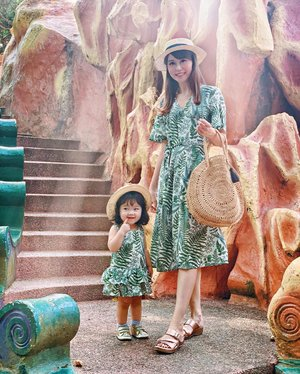 "Checked out yet another beautiful but underrated attraction in Singapore. This time, I had my mini me in tow - we were twinning in @dearcollective Lauren Wrap Dress & Lara Kids Dress, along with boater hats from @tullelove_by_gwen. She poses way better than her mama, and you know what's even more incredible? Nobody gave her any pointers! _ Quote ""Regina"" for 8% off your purchase on @dearcollective"
