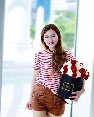 // Posing in my National Day Outfit 🇸🇬 And a customised Bloom Box from @giftflowerssingapore ❤️☁️ I have just blogged about {3 Tips to dress for National Day without looking like a Candy Cane}. Do check it out ✨ http://goo.gl/iMMaoC ✨  for more! More visuals on this look coming up in a separate blog post! 💖 ______________ From now till 30 Sept, you may quote