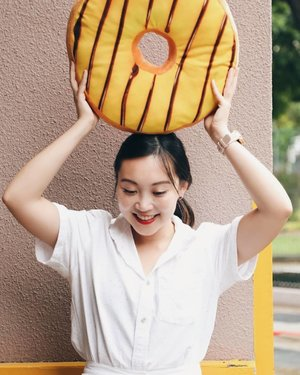 T-3 to Japan and I can't hide the excitement. 🥯🍩🥯 Thanksss @airwantoro for the photo 😘 ⠀ #beauty #fashion #sg #lifestyle #singapore #OOTD #style #pursuepretty #clozette #StyleInspo #WIWT