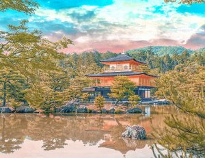 Travel is the only thing you buy that makes you richer ✨. Do you know that the Kinkaku-ji (金閣寺, literally