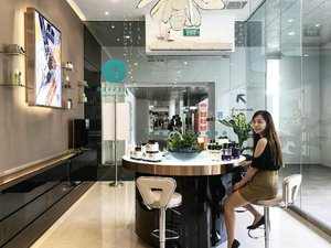 One of my favourite 'ME' time is to getaway from #2monstertanstory and let's the professional do the job. 😋  Thank you @fresverbeauty for the invitation to your new flagship store at Tiong Bahru & I'm so pampered with the latest Oxygenesis Facial Treat. ❤  Review will be posted soon so do check out!  #kelynnstory #clozette #sgblog #sgbblogger #sgbeautyblogger #sgblogs #sgblogclub #sgblogger #sgbloggers #skincare #facialtreatment #oxygenesisfacial #antiaging #fresverbeauty #fresverbeautysg #fresverbeautyflagshipstore #kelynnbeautycollection