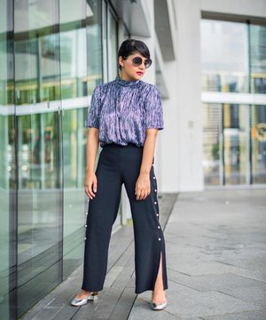 Metallics and Pearl Embellished Pants are the perfect weekend combination ✨💕..........#wearitloveit #effortlessstyle #bestylish #pomelofashion #trypomelo #storetsonme #fashionstatement #ootdwatch #stylemacarons #stylexstyle #clozette #sgbloggers #sgfashion #abmstyle #realoutfitgram #streetstyleluxe #streetstyleinspo #styleinspo