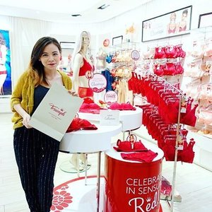So grateful to have been invited to select my very own pair of Triumph Find The One in Red in conjunction with CNY & Valentine's Day this year! ❤️ Thank you for beautiful gift! 😍 #triumph #thatfairasiangirljq #triumphmy #findtheone #red #fashion #clozette
