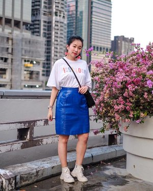 """""""If you're feeling blue, try painting yourself a different color."""" — Hannah Cheatem ✨ . . . . #ootd #clozette #coordinatesoffrisbee #lookbook #lookbooksg #igers #igsg #sgblogger #fashionblogger 📷: @axdelwen"""