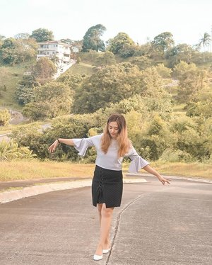 Learning how to balance life, one step at a time. ☺️ (📷:@mnn.ptn) #TheMermaidLookbook #clozette