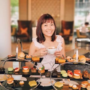 My Afternoon Tea Happiness! 💕 #sipandsnap #pomelofall19  #xinlieats #thelandingpoint #thefullertonbayhotel #hightea #afternoontea #whati8todaysg #whati8today #foodgram #sgfoodies #happyfood #whatmakessg #singapore #visitsingapore #新加坡 #シンガポール #mdsootd #clozette