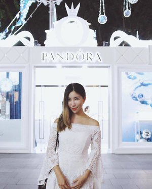 Christmas is the most wonderful time of the year! The beautifully lit Orchard Road is even better this year with the PANDORA Christmas Pop-up! Swing by to check out the latest Winter Collection and enjou exclusive treats! #PANDORAXmas2016 #PANDORA #Clozette