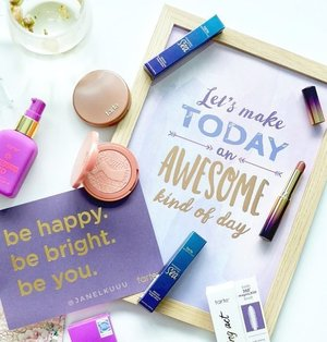 Let's make today an awesome kinda day, shall we?  불금! 🔥  #tartecosmetics