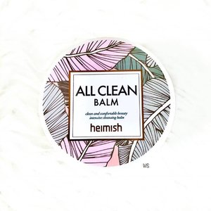 Happy Tuesday! ✨ I'm reposting this because I have accidentally deleted it yesterday. 😭 Had a fruitful week last week as I was binge-watching episodes of shows that I've been watching and haven't been posting regularly. 🙈 Hence today's review would be on the @heimish_cosmetic All Clean Balm! 😍 - 📝 My Review: - 👍🏻 The All Clean Balm is an effective all-in-one makeup remover as it removes all types of makeup (including waterproof eye makeup and long-lasting lip colour) in just one wash. It also comes with a spatula that allows you to gauge how much balm you need per use. In fact, I would say a little goes a long way as you only need one scoop for the whole face. The balm turns from a semi-solid state to a buttery texture that spreads easily when it comes in contact with water. 😄 - With a small amount required and an effective cleansing power, these make the balm really convenient to bring around for traveling as you can just scoop the amount that you need and transfer it into a small container. Furthermore, it doesn't cause my skin to turn red after washing so I'm glad it doesn't irritate my sensitive skin. ☺️ - 🤔 While all is good with the balm, cleaning can be a little messy so that is one thing to take note of. Cold or lukewarm water is also preferred in removing the balm. While some days it leaves my skin feeling oilier than usual, but then again there's no breakout of any sort. 😅 - ✒️ Conclusion: An effective and convenient cleansing balm that doesn't irritate my sensitive skin. - 💋 Verdict: 4/5 🌟 - Thanks for reading! 😘 - #makeup #beauty #cosmetics #skincare #skincareaddict #skincarejunkie #skincareobsessed #skincarecommunity #skincareroutine #skincarelover #skingoals #instadaily #kbeauty #seoul #beautylover #makeupaddict #makeupjunkie #makeupobsessed #makeuplover #wakeupandmakeup #makeuplife #clozette #beautiful #instabeauty #instagood #igsg #beautyaddict #skincareproducts #beautyobsessed #sgbeauty