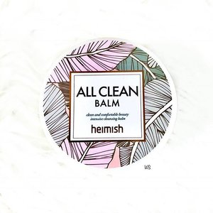 Happy Monday! ✨ Had a fruitful week last week as I was binge-watching episodes of shows that I've been watching and haven't been posting regularly. 🙈 Hence today's review would be on @heimish_cosmetic All Clean Balm! 😍 - 📝 My Review: - 👍🏻 The All Clean Balm is an effective all-in-one makeup remover as it removes all types of makeup (including waterproof eye makeup and long-lasting lip colour) in just one wash. It also comes with a spatula that allows you to gauge how much balm you need per use. In fact, I would say a little goes a long way as you only need one scoop for the whole face. The balm turns from a semi-solid state to a buttery texture that spreads easily when it comes in contact with water. 😄 - With a small amount required and an effective cleansing power, these make the balm really convenient to bring around for traveling light as you can just scoop the amount that you need and transfer it into a small container. Furthermore, it doesn't cause my skin to turn red after washing so I'm glad it doesn't irritate my sensitive skin. ☺️ - 🤔 While all is good with the balm, cleaning can be a little messy so that is one thing to take note of. Cold or lukewarm water is preferred in removing the balm and some days it leaves my skin feeling oilier than usual, but then again there's no breakout of any sort. 😅 - ✒️ Conclusion: An effective and convenient cleansing balm that doesn't irritate my sensitive skin. - 💋 Verdict: 4/5 🌟 - Thanks for reading! 😘 - #makeup #beauty #cosmetics #skincare #balm #skincareaddict #skincarejunkie #skincareobsessed #skincarecommunity #skincareroutine #skincarelover #skincaregoals #clearskin #kbeauty #seoul #beautylover #beautyaddict #beautyjunkie #makeupaddict #makeuplover #wakeupandmakeup #flatlay #clozette #beautiful #instabeauty #instagood #igsg #cleansing #skincareproducts #skincaretips